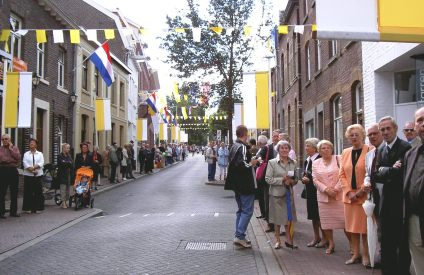 2005-010